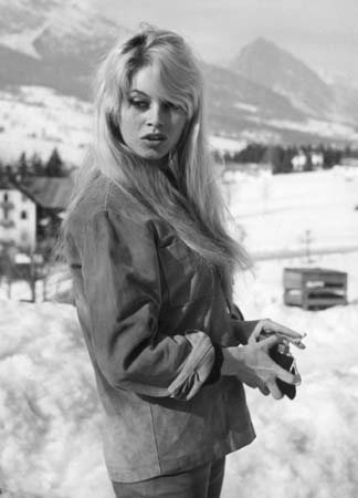 A BRIGITTE BARDOT PHOTO