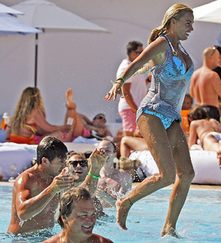 Katie Price New Photos Marbella Ocean Club Puerto Banus Spain