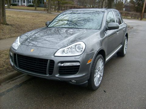 Porsche Cayenne Turbo Photo