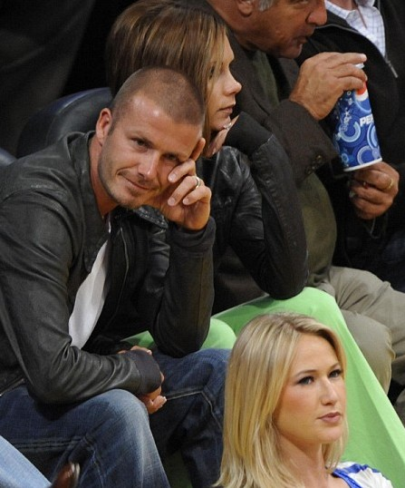 david_beckham_cheer_leader