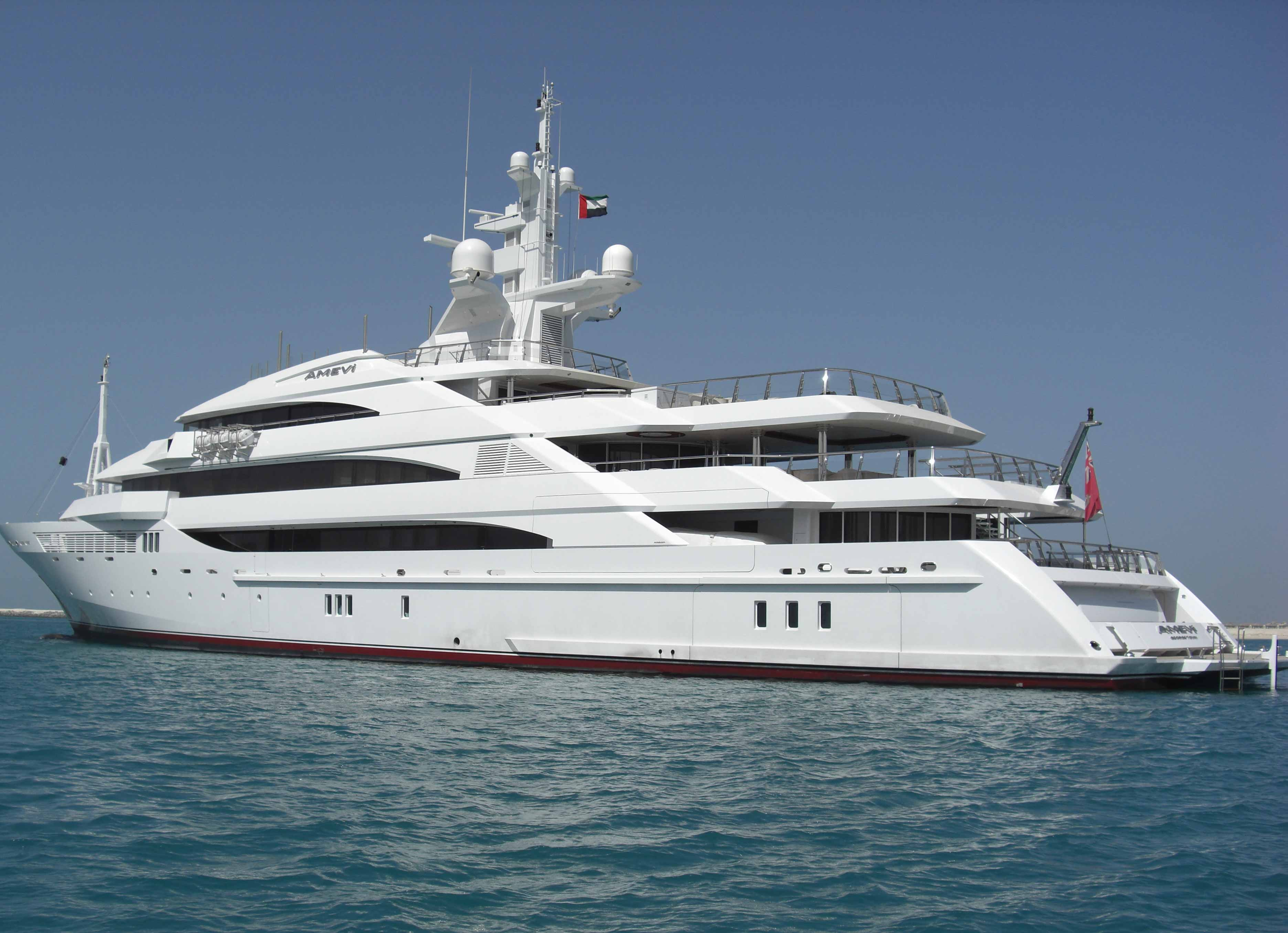 yacht charter service 2